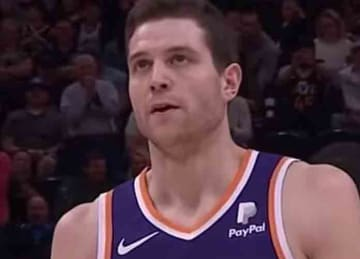 Suns' Jimmer Fredette gets standing ovation vs. Utah Jazz