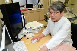 3月末で定年退職する医師の池田義和さん=兵庫医科大学ささやま医療センター