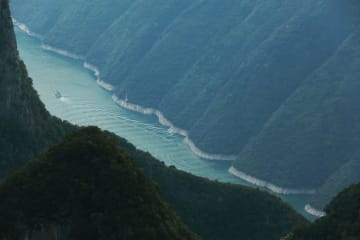 長江三峡·巫峡の壮麗な風景