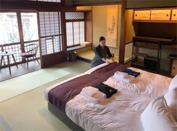 京町家を旅館風に改修し、家族向けの客室を多くしつらえたファーストキャビンの新たな宿泊施設(京都市下京区)