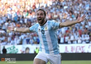 アルゼンチン代表引退を表明したイグアイン