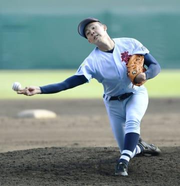 選抜高校野球大会1回戦、桐蔭学園戦に2番手で登板した啓新・浦松巧=3月27日、甲子園
