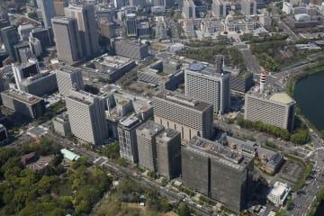 霞が関の官庁街(右奥は国会議事堂)=東京都千代田区