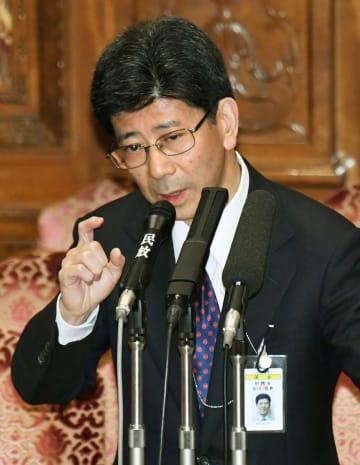 2017年3月、参院予算委で答弁する佐川宣寿氏