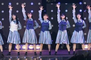 「マイナビ presents 第28回 東京ガールズコレクション 2019 SPRING/SUMMER」に登場しライブを行った「日向坂46」