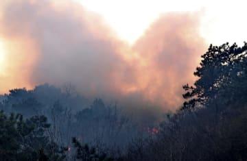 北京市密雲区の森林火災、平谷区に広がる