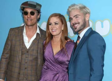 Zac Efron Shows Off New Blond Hair With Matthew McConaughey & Isla Fisher At 'The Beach Bum' Premiere
