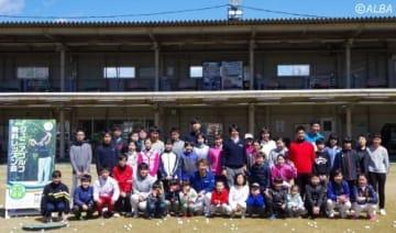長野県のレッスン会でプロ4人が熱血指導を行った(撮影:ALBA)