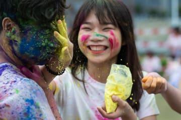 マカオで「色の祭典」ホーリー祭を楽しむ