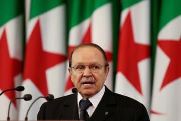 アルジェリアのブーテフリカ大統領=2009年(ロイター=共同)