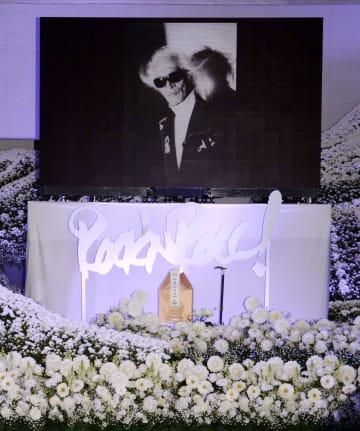 内田裕也さんのお別れの会「ロックンロール葬」で祭壇に飾られた遺影=3日、東京都港区の青山葬儀所