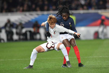 日本、フランスに敗れる サッカー女子国際親善試合