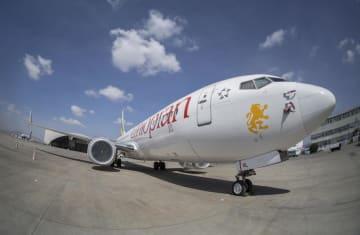 エチオピアの首都アディスアベバの空港に駐機するエチオピア航空の旅客機ボーイング737MAX8=3月23日(AP=共同)