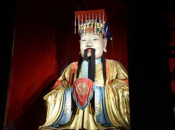 様相が全く異なる 三国時代の英雄劉備と趙雲の墓 四川省