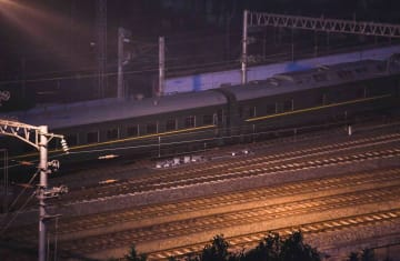 北朝鮮の金正恩朝鮮労働党委員長を乗せたとみられる専用列車=2月26日、中国・南寧
