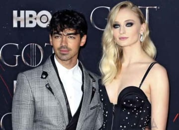 Sophie Turner Cuddles Up With Husband Joe Jonas At 'Game Of Thrones' Premiere