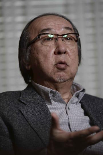 横山秀夫さん(撮影・共同通信=小島健一郎)