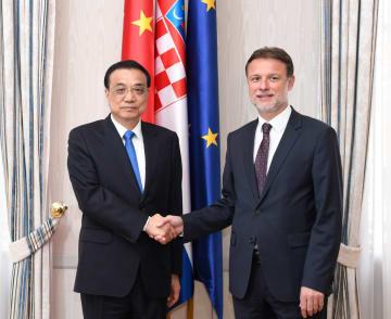 李克強総理、クロアチアのヤンドロコビッチ議長と会見