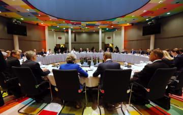 英国のEU離脱を協議するEU首脳会議=10日、ブリュッセル(欧州理事会提供・ゲッティ=共同)
