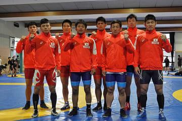 ▲アジア選手権へ向かう代表選手(55kg級の片桐大夢と130kg級の河野隆太は不在)