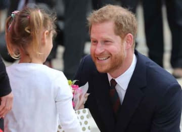 Prince Harry Received Flowers From 4-Year-Old Girl