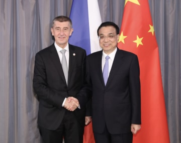 李克強総理、チェコ首相と会見 貿易均衡に努力表明