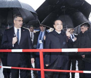 李克強総理、クロアチア首相とペルジェサク大橋建設プロジェクトを視察