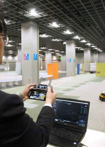 大空間で実証実験ができる「けいはんなロボット技術センター」。モーションキャプチャーでドローンなどの動きが記録できる(京都府精華町・木津川市、けいはんなオープンイノベーションセンター)