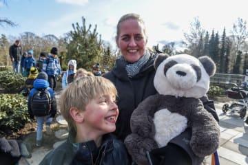 コペンハーゲン動物園のパンダ館が一般公開