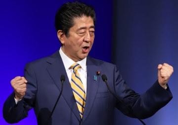 安倍晋三首相(写真:つのだよしお/アフロ)