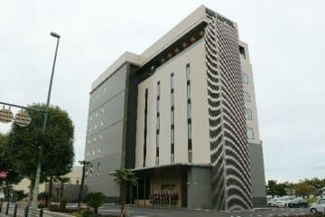 13日にオープンする「レックスホテル別府」=11日、別府市若草町