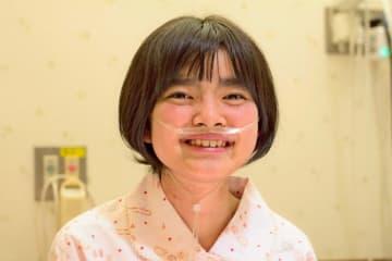 渡航移植を待つ田村真子さん(両親提供)