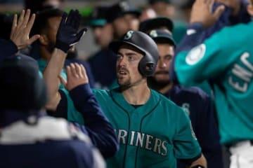 9回に本塁打を放ったマリナーズのトム・マーフィー【写真:Getty Images】