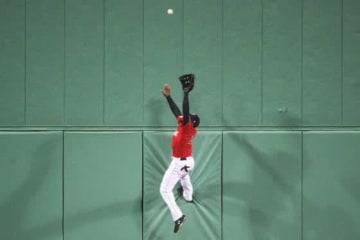 驚愕の捕球を見せたRソックスのジャッキー・ブラッドリーJr.【写真:Getty Images】