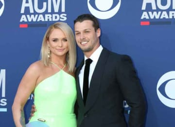 Miranda Lambert & Brenden McLoughlin Cuddle At CMAs, Singer Takes Shot At Ex Blake Shelton