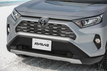 トヨタ 新型RAV4 G(ダイナミックトルクコントロール4WD/ボディカラー:シルバーメタリック)[雪上試乗会/トヨタ自動車士別試験場(北海道)]
