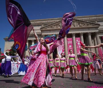 米ワシントンで桜祭りパレード開催