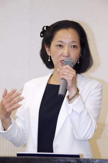 「猿橋賞」に決まり、記者会見する東北大の梅津理恵准教授=15日、東京都内