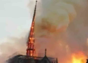 Notre Dame Cathedral in Paris catches fire 2019