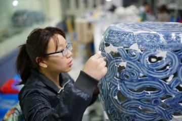 景徳鎮修復磁器、上海で一般公開へ