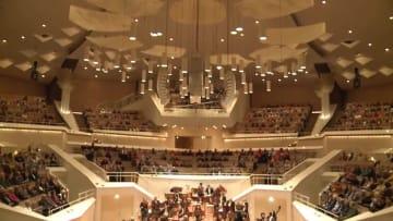 中国系若手音楽家がベルリン·フィルホールに登場