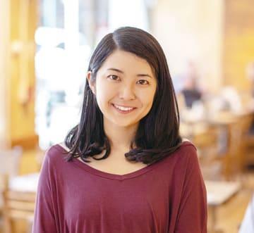 福岡由夏さん 東京出身。多摩美術大学情報デザイン学科を卒業。2015年に「School of Visual Arts」入学。卒業後、現在は「Essense Partners」勤務。https://yukaportfolio.com