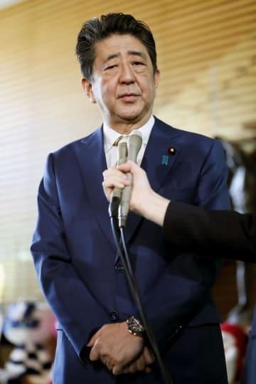 安倍首相=11日、首相官邸