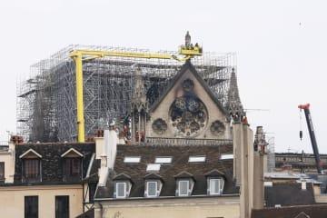火災後のノートルダム大聖堂、原因調査と被害評価の段階に