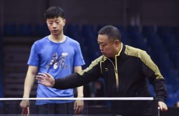 中国卓球チーム、ブダペストで最終調整 世界卓球