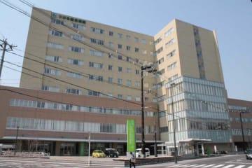 西北五地域の中核病院を担うつがる総合病院。医師不足状態での運営が続いている