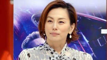 映画「アベンジャーズ/エンドゲーム」の勝利祈願イベントに登場した米倉涼子さん