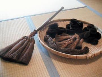 「山本勝之助商店」の棕櫚箒