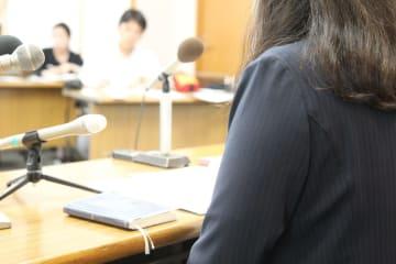元川越市議からセクハラを受けたとして、会見で心境を明かす女性職員=2018年9月14日午後、埼玉県さいたま市浦和区