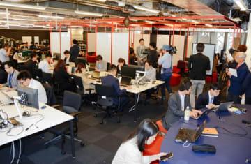 ICTオフィスで業務を開始したアクセンチュアの社員